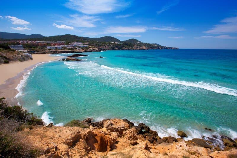 Cala Tarida w Ibiza plaży przy Balearic wyspami zdjęcia stock