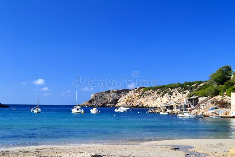 Cala Vadella海滩在Ibiza,西班牙 库存图片