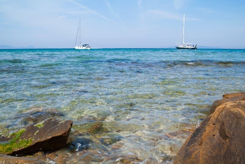 Cala Violina plaża Scarlino, Maremma Tuscany, Włochy Ludzie Ma zabaw? Przy pla?? fotografia stock