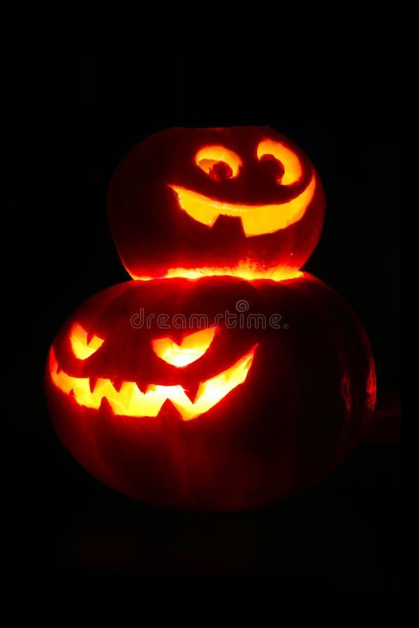 Calabazas de Halloween en negro fotos de archivo libres de regalías