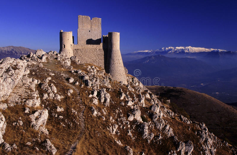 calascio Италия l rocca aquila стоковая фотография rf