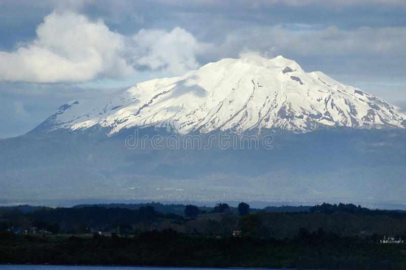 Calbuco vulkan royaltyfria foton