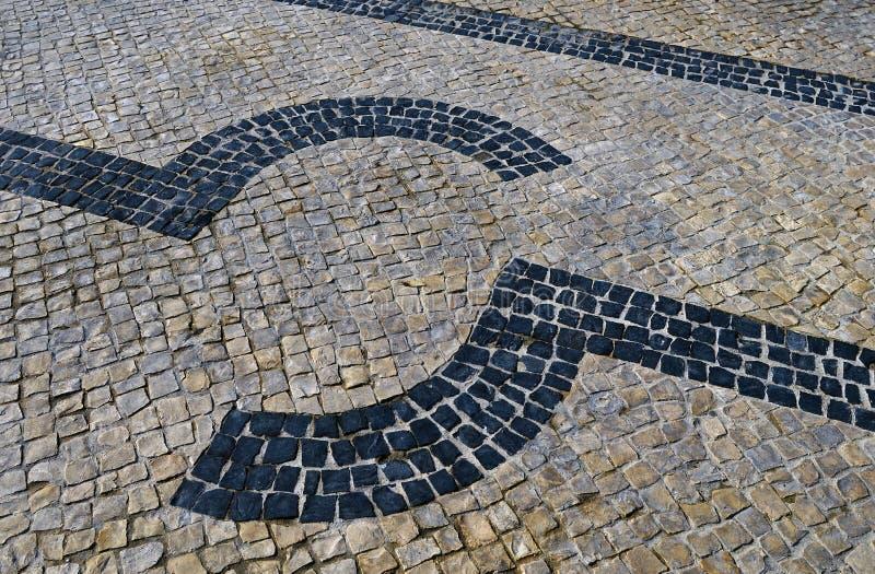 Calcade de pedra português tradicional do mosaico imagem de stock