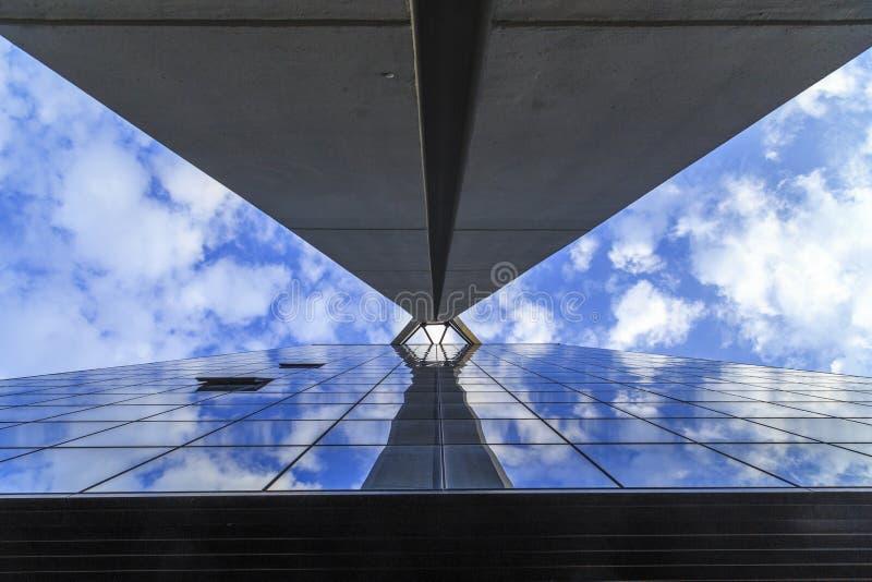 Calcestruzzo, metallo, vetro, altezza fotografia stock
