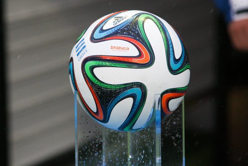 Calcio ADIDAS della palla di Mundial Brazuca fotografia stock