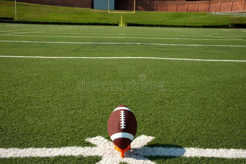 Calcio iniziale di football americano immagine stock libera da diritti