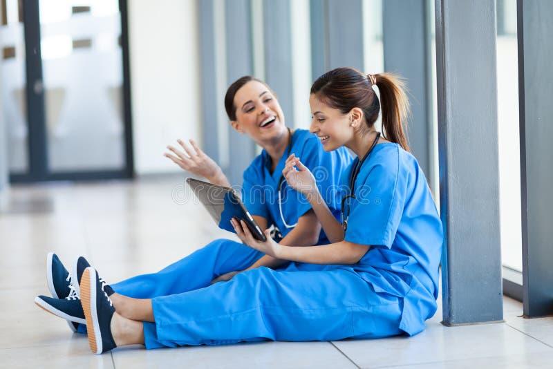 Calcolatore del ridurre in pani delle infermiere fotografie stock libere da diritti