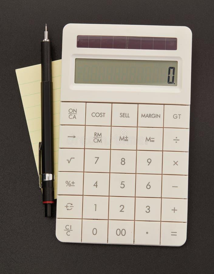 Calcolatore, nota adesiva e penna immagine stock libera da diritti