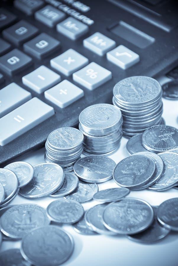 Calcolazione delle finanze immagini stock libere da diritti