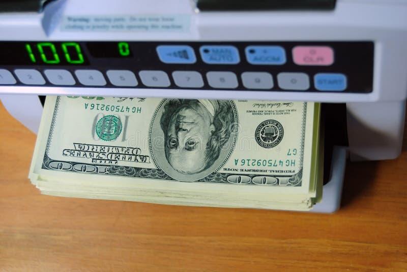 Calcolo di soldi fotografie stock libere da diritti