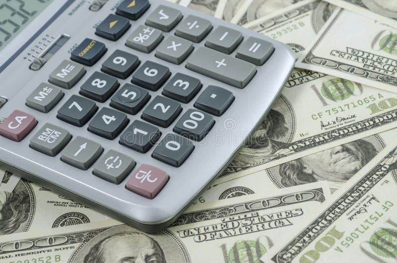 Download Calculadora En Un Fondo Del Billete De Dólar Americano Foto de archivo - Imagen de cariñoso, intercambio: 41916582