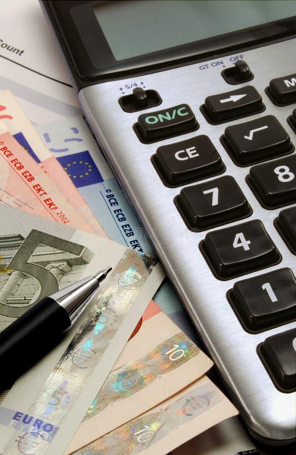 Calculadora y notas euro fotos de archivo libres de regalías