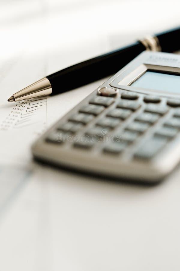 Calculatrice et crayon lecteur photographie stock libre de droits