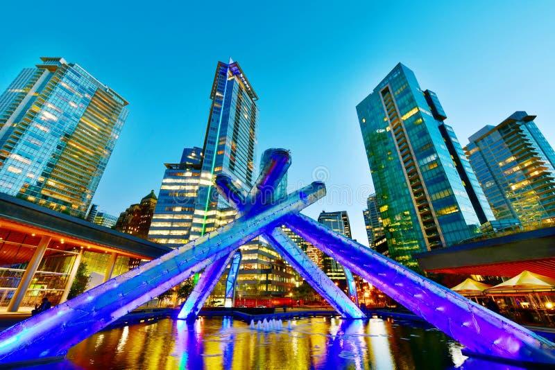 Caldeirão olímpico em Vancôver, Canadá imagem de stock royalty free