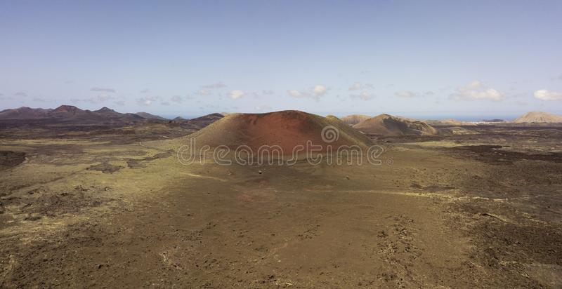 Caldeira Colorada, Lanzarote, Îles Canaries, Espagne, l'Europe de vue aérienne photos libres de droits