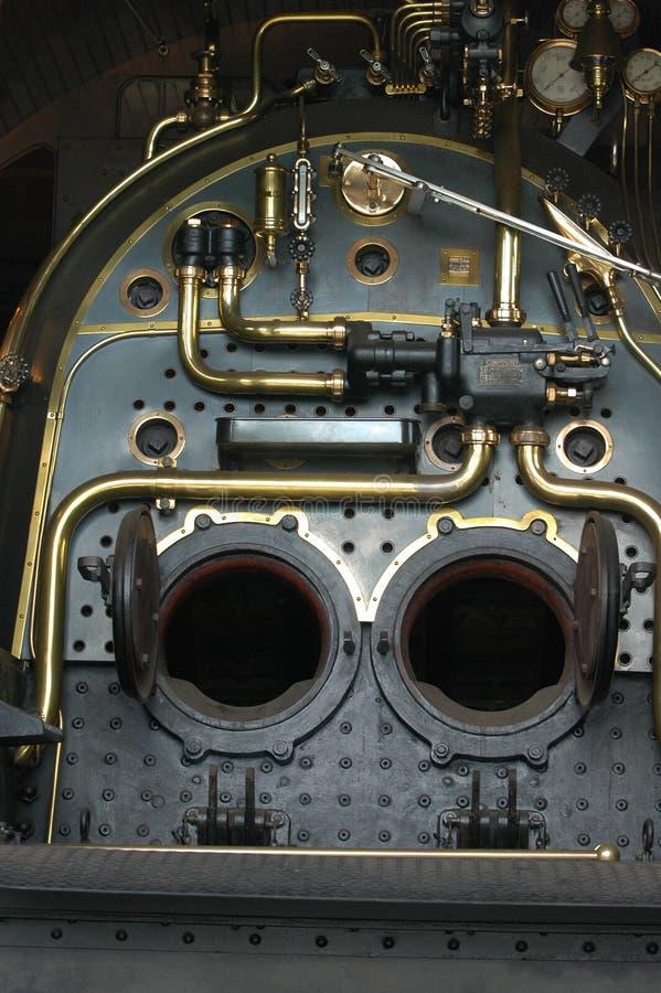 Caldera de locomotora vieja de vapor fotos de archivo