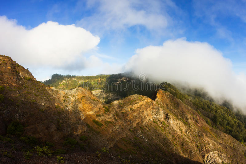 Caldera del vulcano di Kelimutu sull'isola del Flores immagini stock libere da diritti