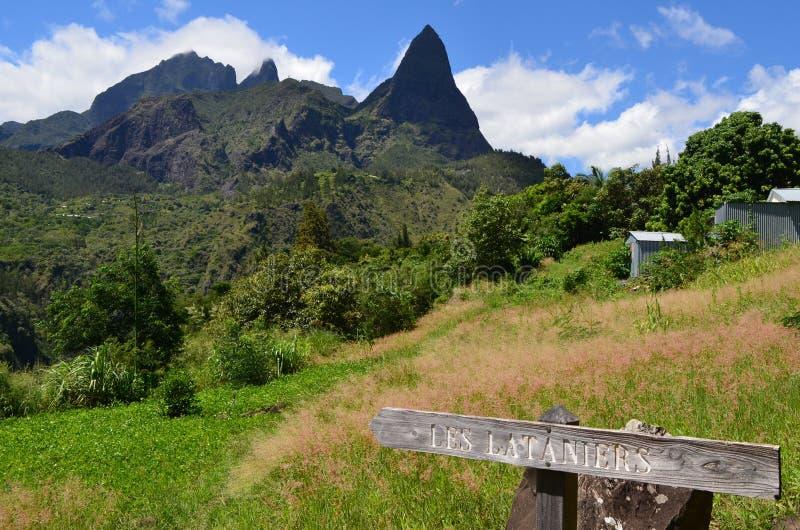 Caldera vulcânico de Mafate na ilha de Réunion foto de stock