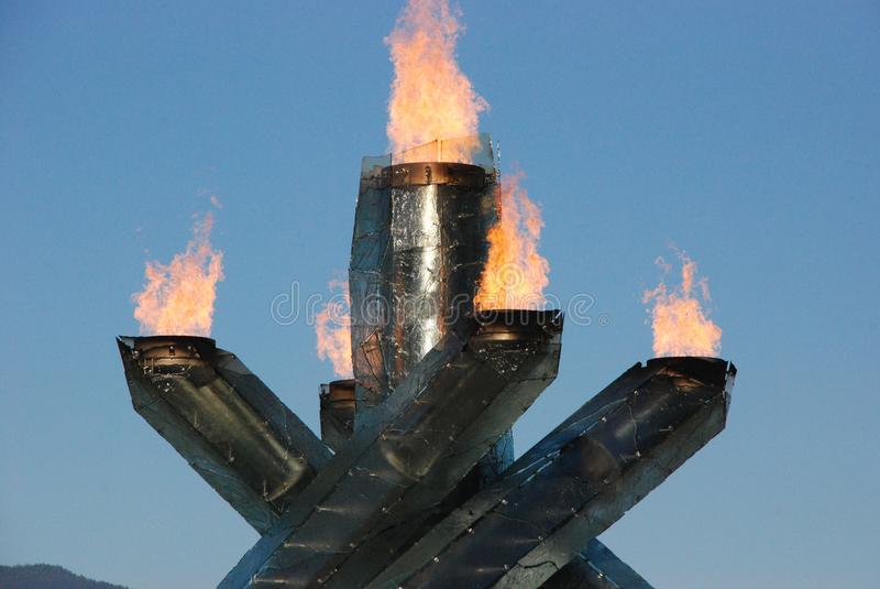 Calderone olimpico di Vancouver fotografie stock