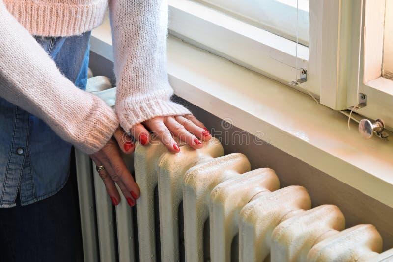 Calefacción central - radiador resistente imágenes de archivo libres de regalías