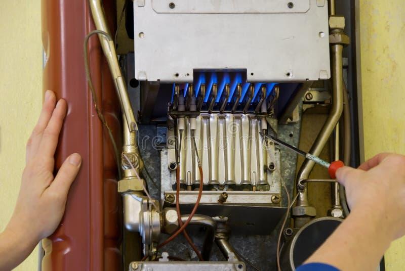 calefacción de gas del fontanero foto de archivo