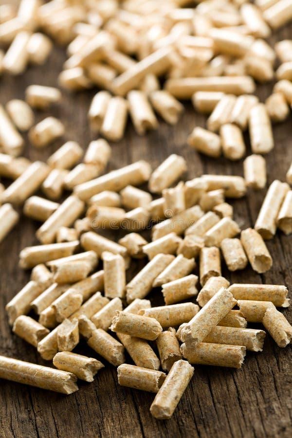 Calefacción de madera de la pelotilla .ecological imágenes de archivo libres de regalías