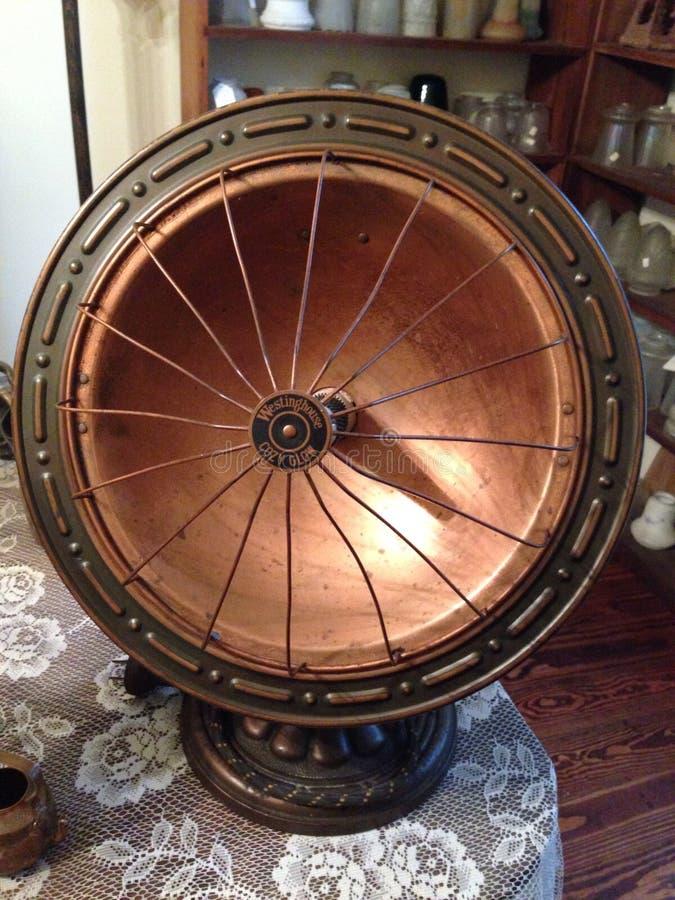 Calefator de bronze vitoriano antigo fotografia de stock