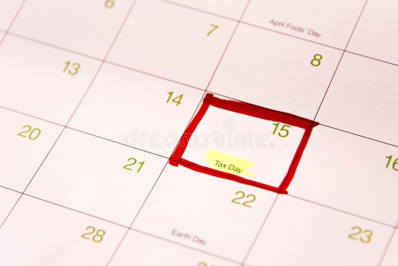 Calendário com uma caixa vermelha por volta do 15 de abril fotografia de stock