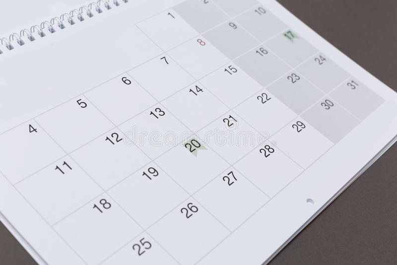 Calendário no fundo de papel cinzento fotos de stock royalty free
