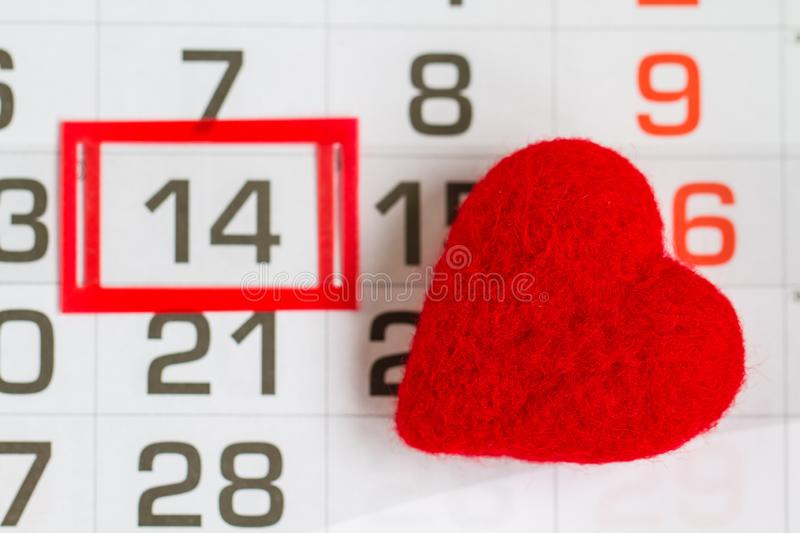 Calendar Page on Saint Valentines Day with Heart lizenzfreies stockfoto