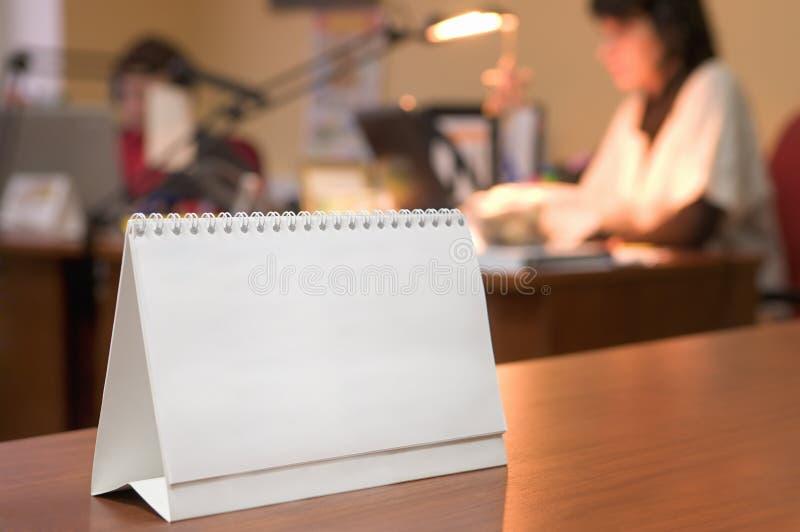 Calendario in bianco del supporto. immagine stock