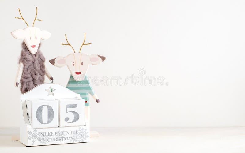 Calendario de la Navidad - 5 sueños hasta la Navidad fotos de archivo