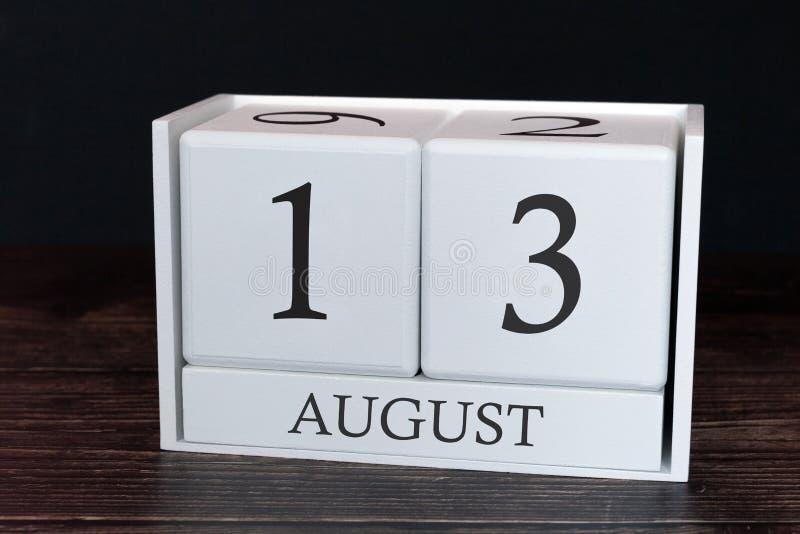 Calendario del negocio para agosto, décimotercero día del mes Fecha del organizador del planificador o concepto del horario de lo foto de archivo