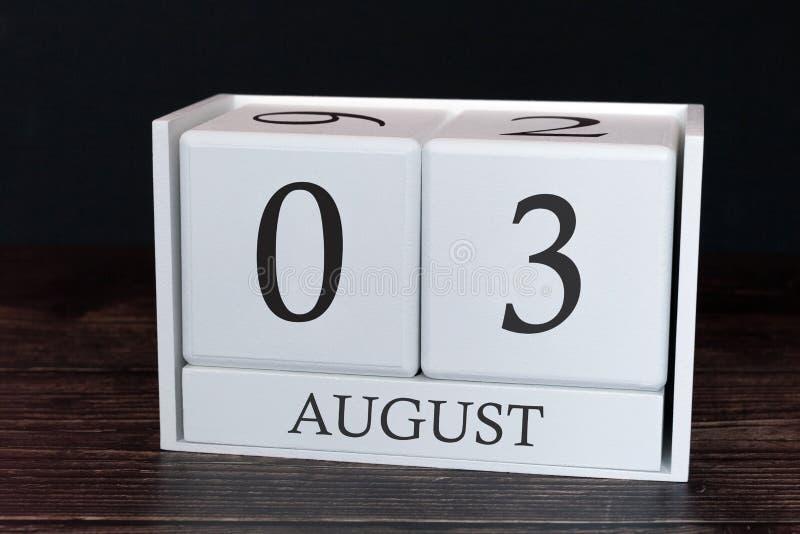 Calendario del negocio para agosto, 3ro día del mes Fecha del organizador del planificador o concepto del horario de los aconteci imagen de archivo