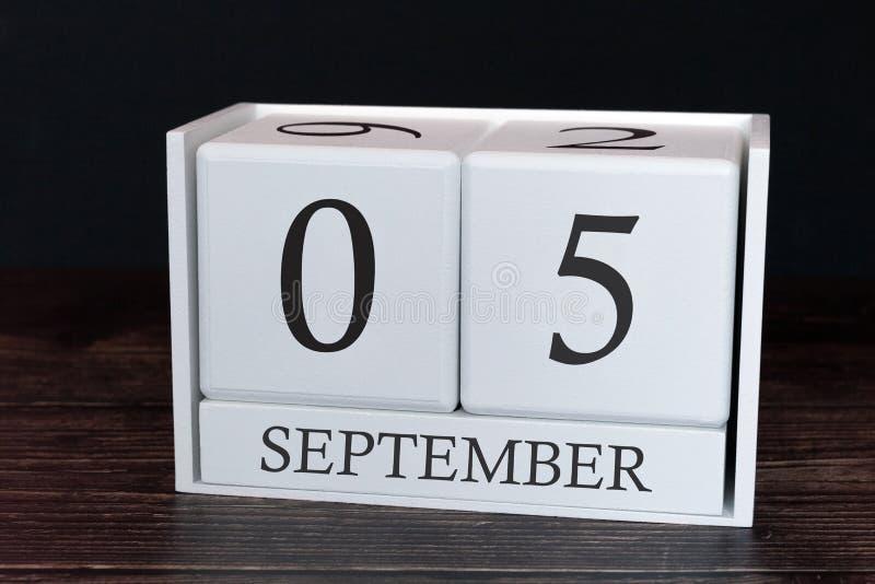Calendario del negocio para septiembre, 5to día del mes Fecha del organizador del planificador o concepto del horario de los acon fotografía de archivo libre de regalías
