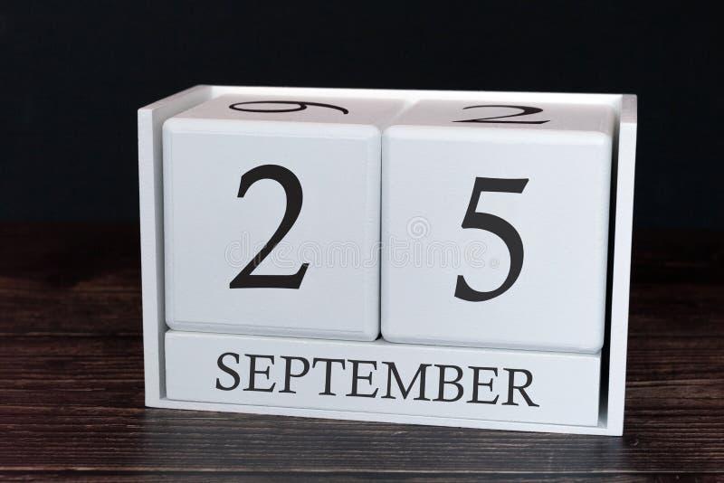 Calendario del negocio para septiembre, 25to día del mes Fecha del organizador del planificador o concepto del horario de los aco fotos de archivo