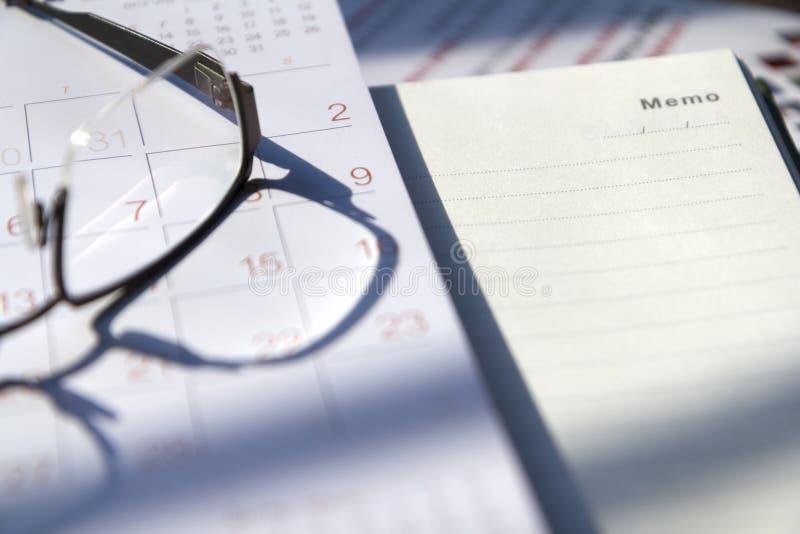 Calendario y memorándum imagen de archivo libre de regalías