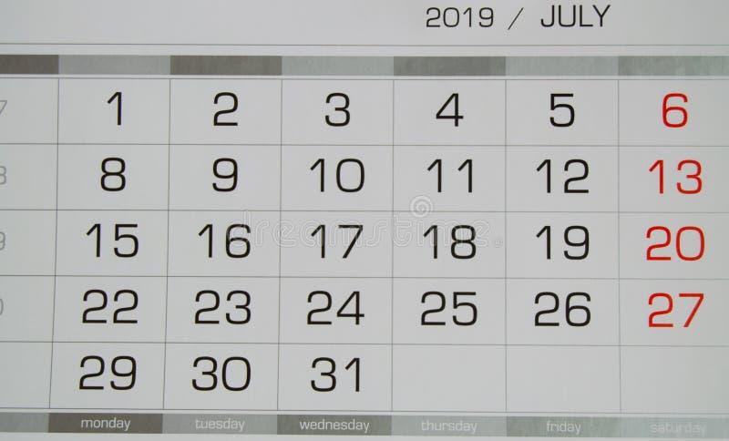Calendrier en juillet 2019 avec des jours ouvrables et des week-ends, vue supérieure en gros plan photo stock