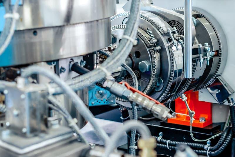 Calentador de cerámica de la abrazadera Sistema de calefacción para los tubos para las máquinas plásticas del moldeo a presión foto de archivo
