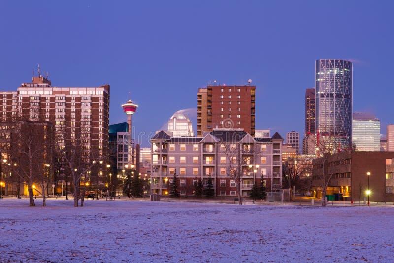 Calgary de stad in bij zonsopgang, Alberta, stock afbeeldingen