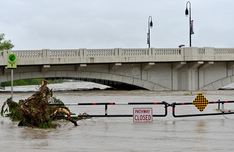 Download Calgary Flood 2013 editorial stock image. Image of flood - 31769029