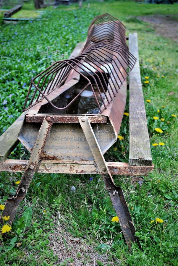 Calha de alimentação Rusted foto de stock royalty free