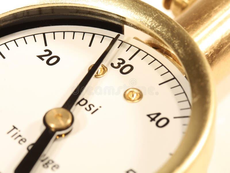 Calibrador de presión de neumático imagen de archivo