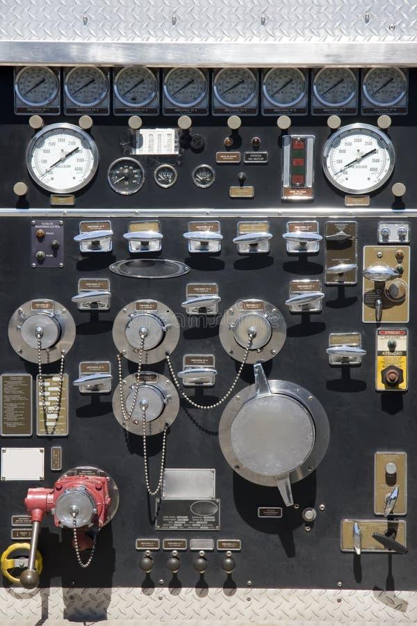 Calibrador de presión del bombero imagenes de archivo