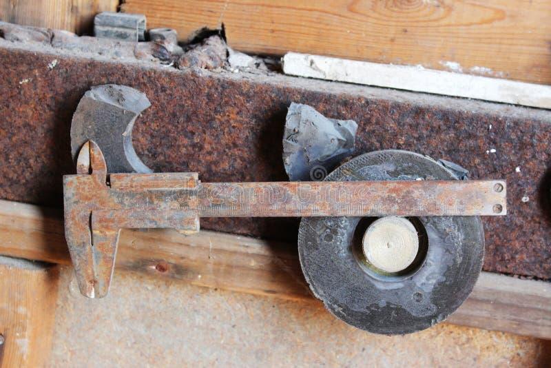 Calibrador a vernier oxidado imagen de archivo libre de regalías