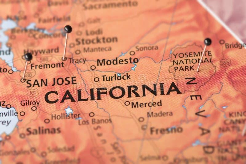 Californië op kaart stock foto's