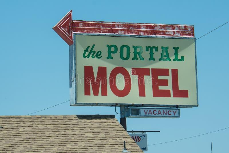CALIFORNIË: Uitstekend motelteken voor het Poortmotel stock foto's