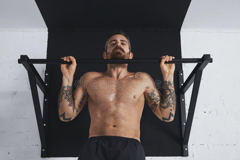 Calisthenic och bodyweightövningar arkivbilder