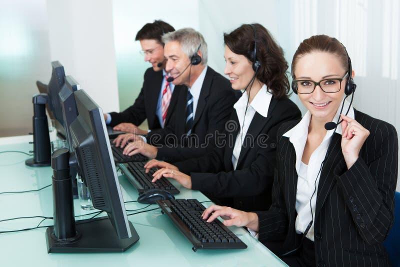 Call centeroperatörer arkivfoton