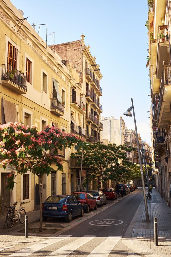 calle al azar en la ciudad vieja de Barcelona imágenes de archivo libres de regalías